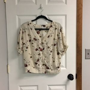 NEW WITH TAGS Sienna Sky Floral Top